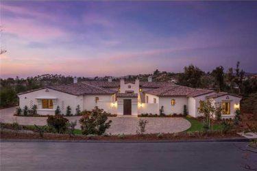 6838 St Andrews Rd, Rancho Santa Fe, CA 92014