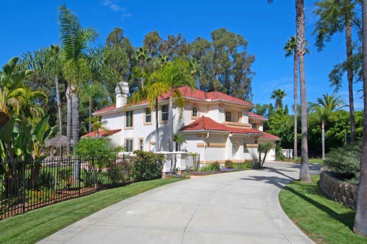 6746 Rancho Lakes Ct, Rancho Santa Fe, CA 92067